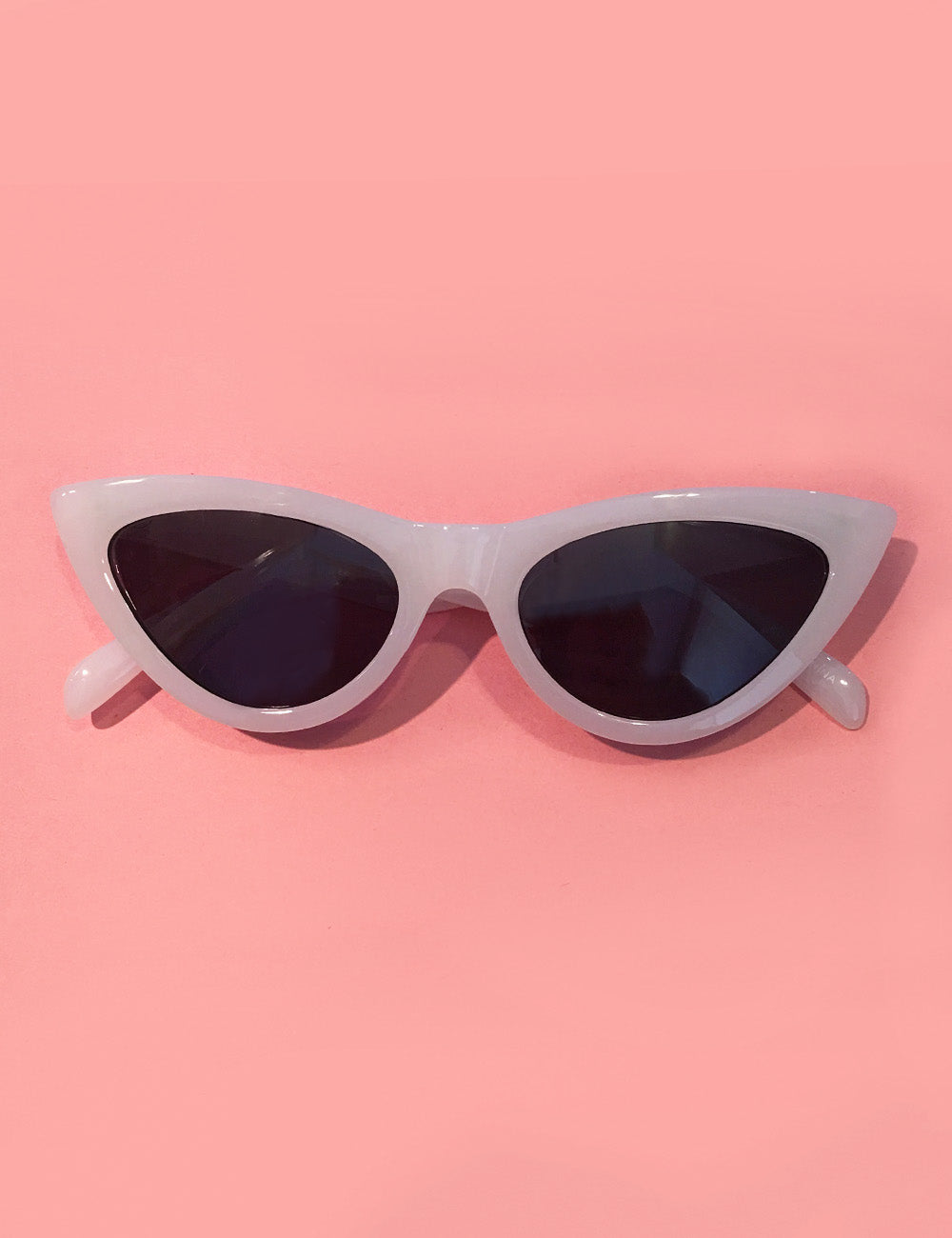 Solid White Classic 1950s Cat Eye Sunglasses