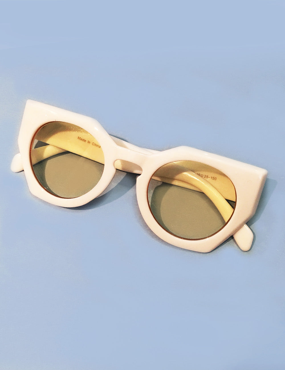 White Framed Yellow Lens 1960s Inspired Geometric Sunglasses