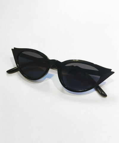 Wing Tip Classic Black Cat Eye Sunglasses