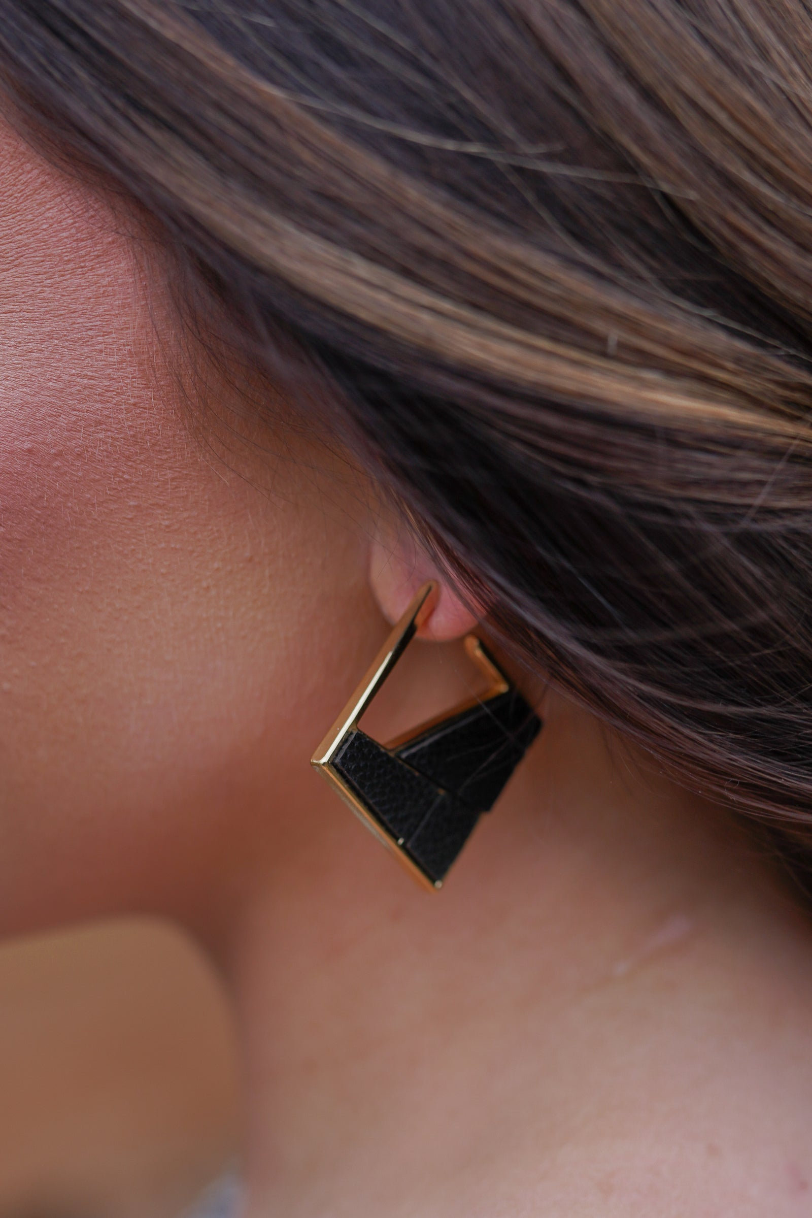 Elmwood Earrings - Black