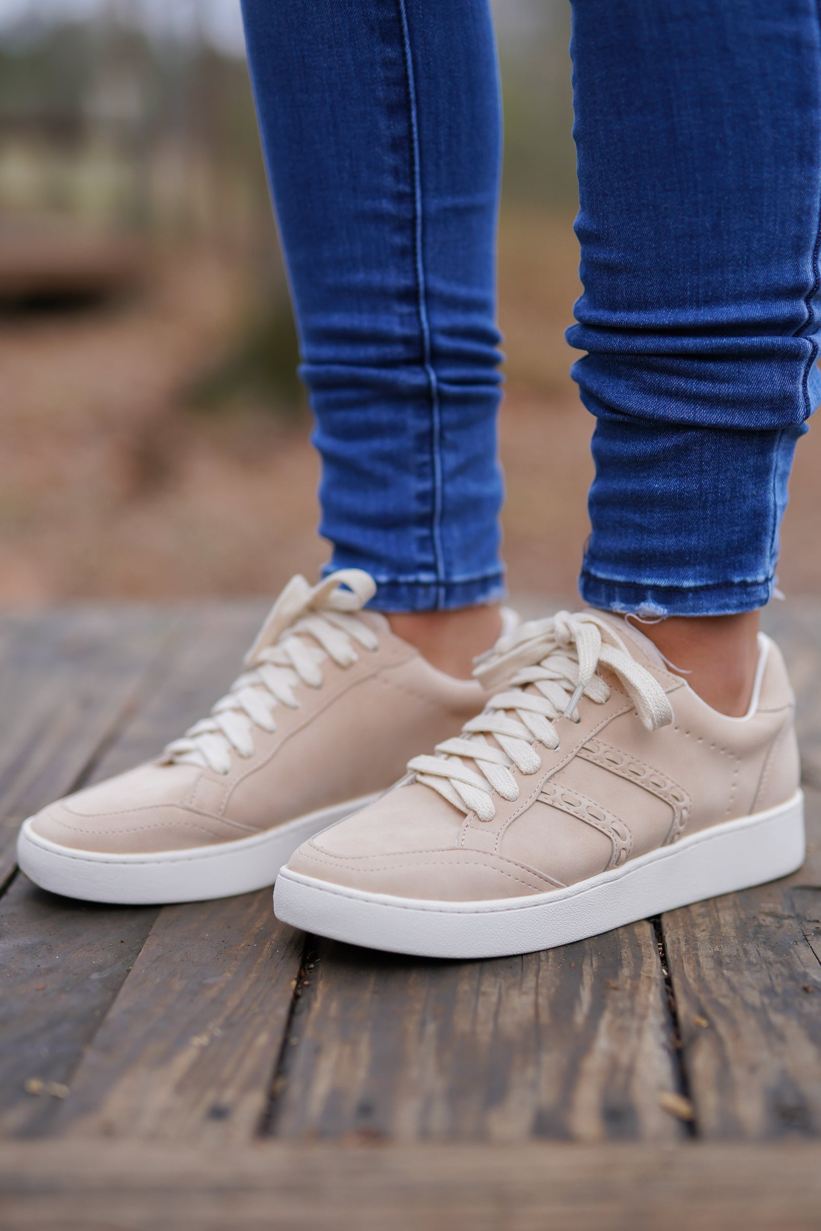 White Raven Sneakers - Rose