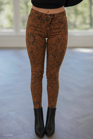 Lily Elastic Waist Denim - Light Wash