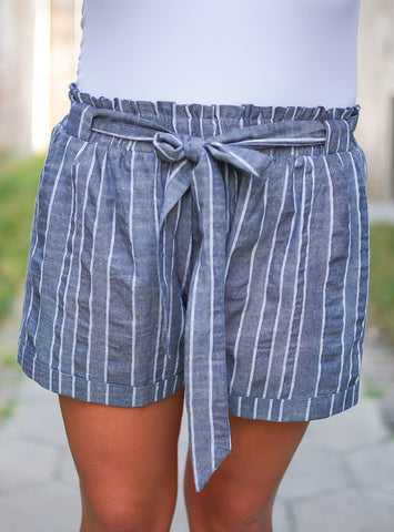 Demi Shorts - Medium Wash