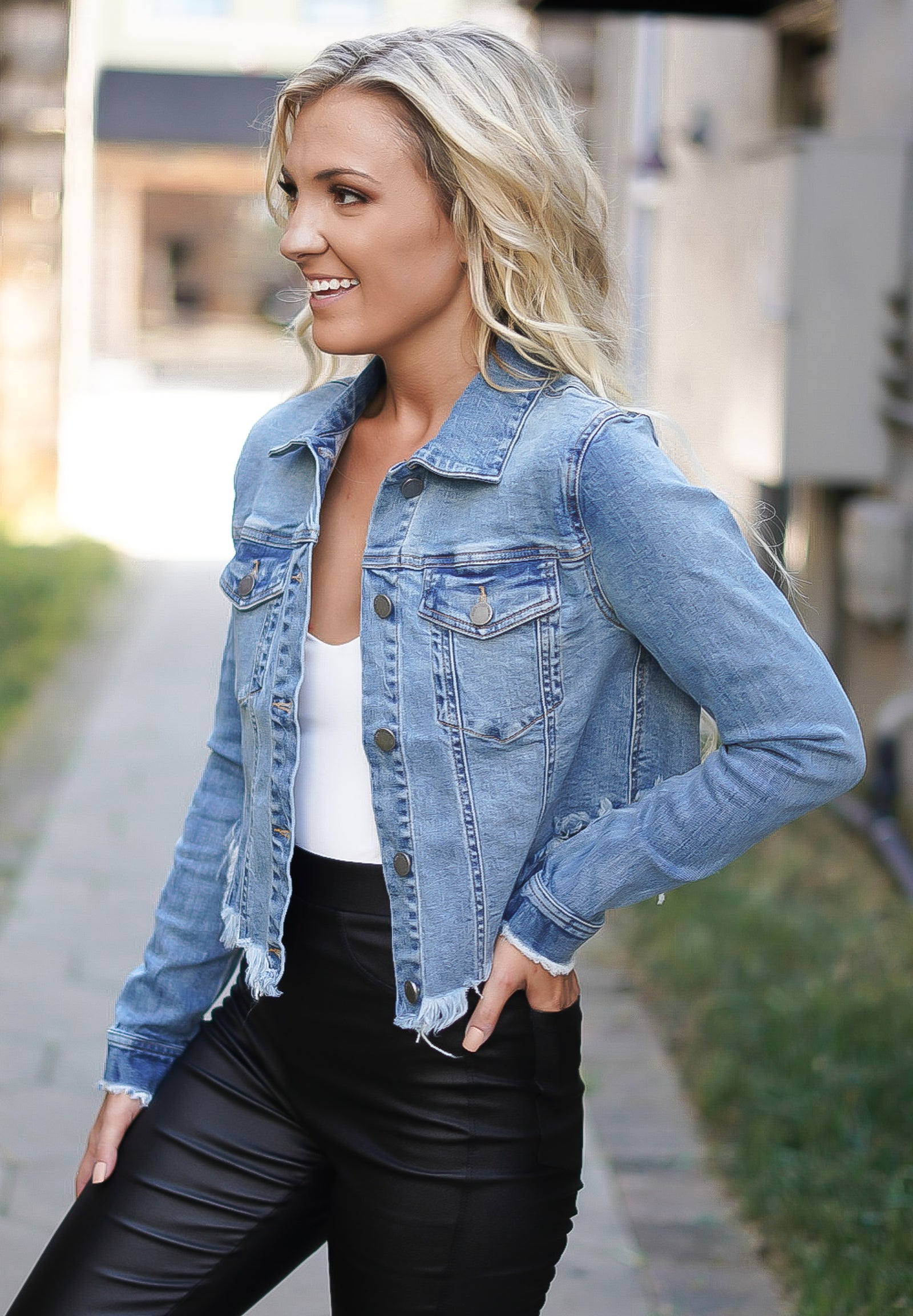 California Cropped Denim Jacket - Light Wash