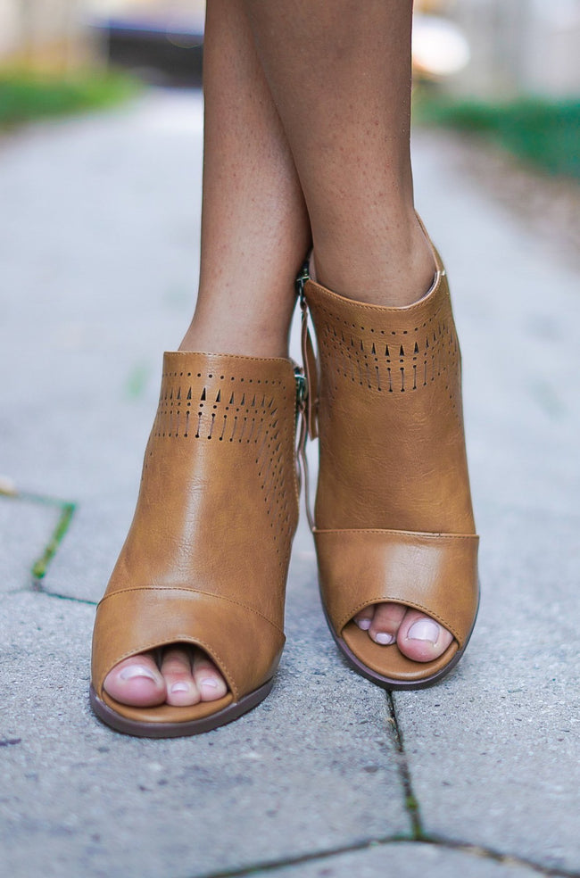Luna Booties - Tan
