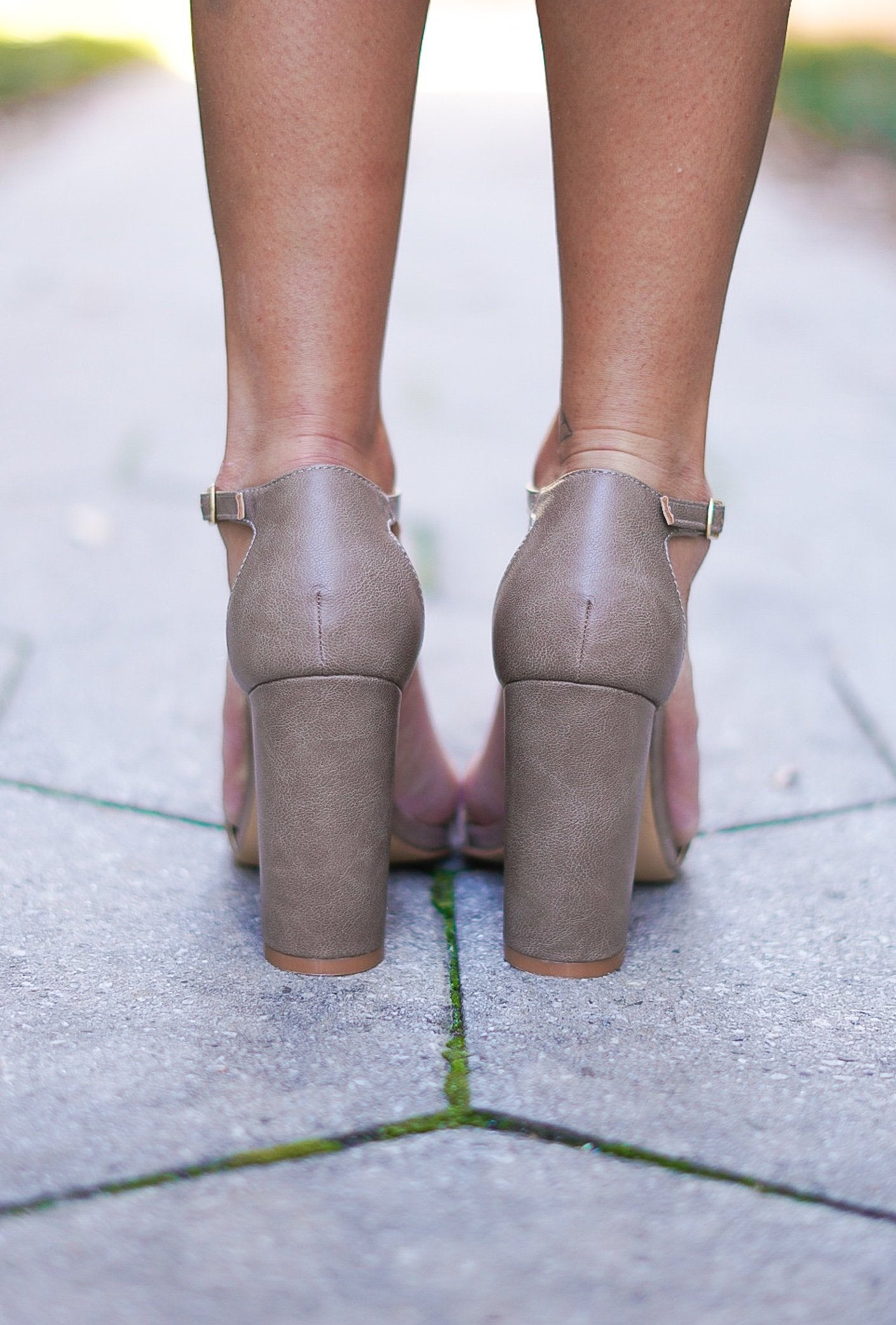 Til Sun Up Heels - Taupe