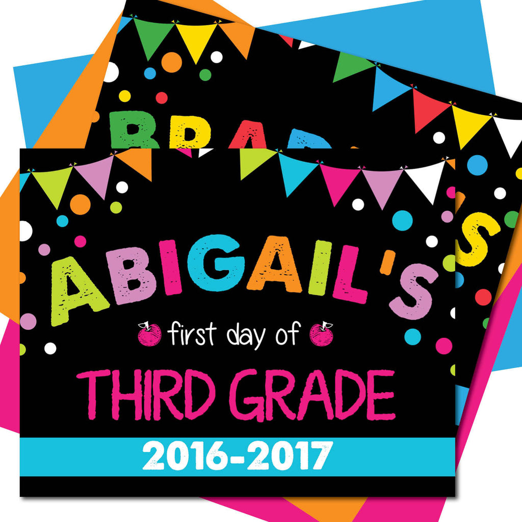 First day of Third Grade Sign, Last day of Third Grade Sign, Milestone Sign, Back to School Sign, Last day of School Poster, First day of School Poster.