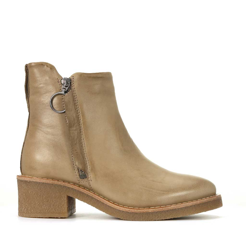 CORBEAU ZIP BOOT BY EOS
