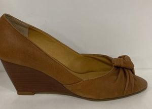 TAWNY PEEP TOE BY TONY BIANCO