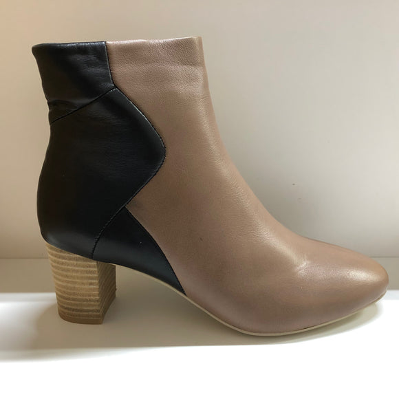 BOWIE TWO TONNED BLOCK HEEL