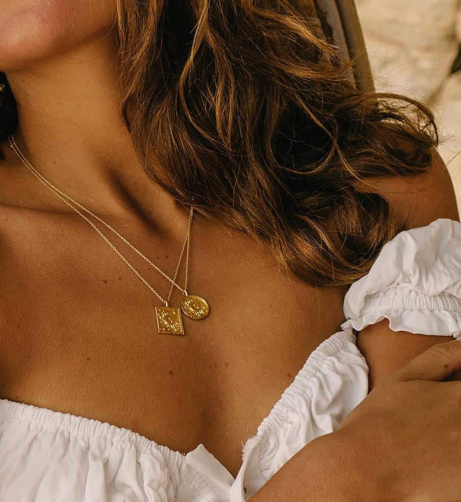 GOLDEN SUN COIN NECKLACE (14K-GOLD-PLATED) Model Product Image 03