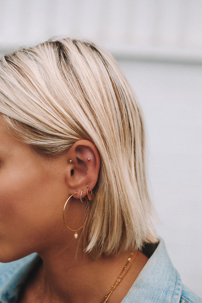 DETAIL HOOP EARRINGS (18K-ROSE GOLD-PLATED) Image 02