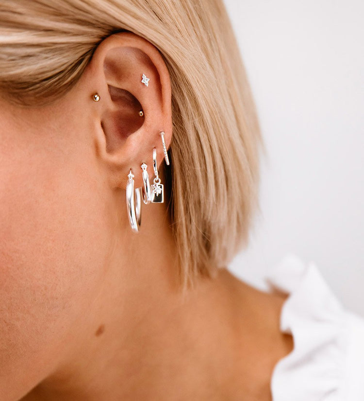 CRYSTAL FOUR DOT STUDS (STERLING-SILVER)