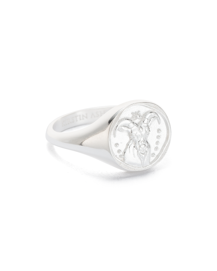 CAPRICORN SIGNET RING (STERLING SILVER)
