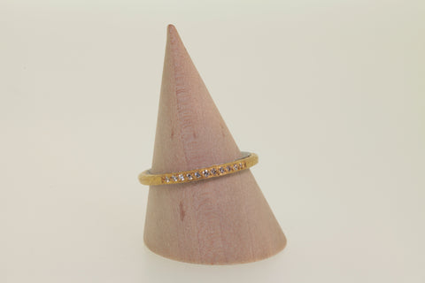 <small>Malcolm Betts</small><br>Yellow Gold + Platinum Diamond Band