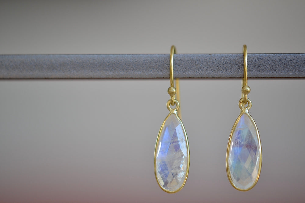 Load image into Gallery viewer, Tej Kothari Bee's Wing Drop Earrings 18k yellow gold with ear wire and bezel with rainbow moonstone faceted