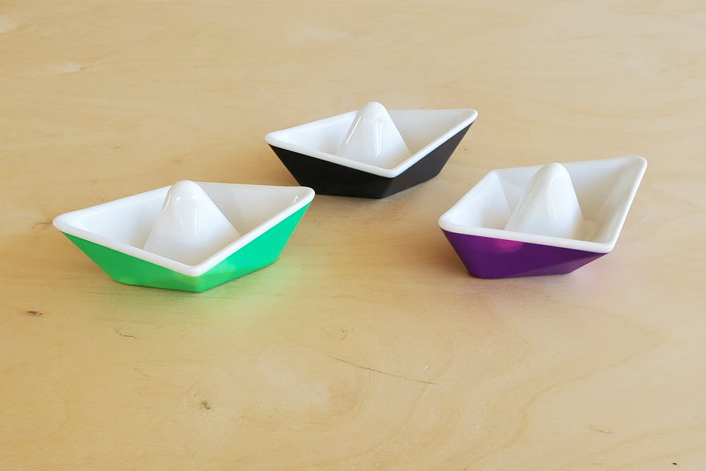 Load image into Gallery viewer, Kid O Color-changing origami boats for bathtub play