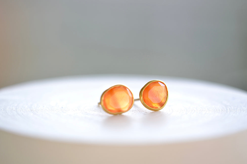 Pippa Small orange Carnelian Stud studs earrings in 18k Gold