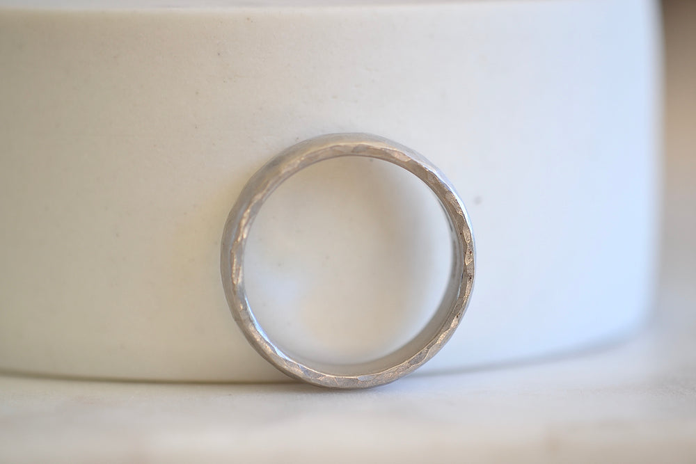 Malcolm Betts Hammered 5mm Band Platinum Gold