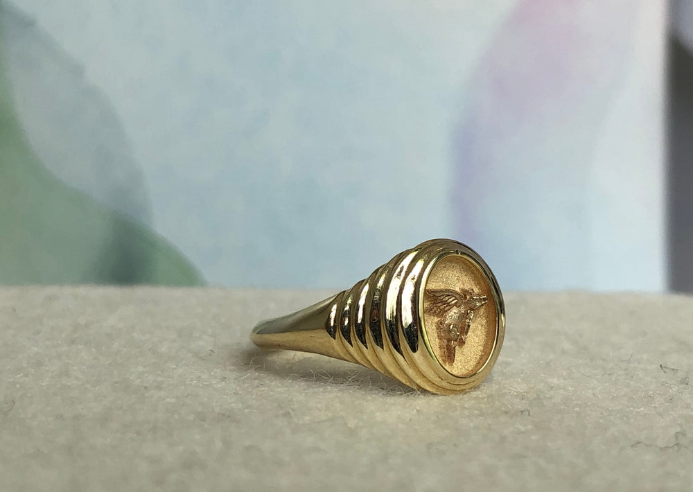 Retrouvai Baby Fantasy Signet in Flying Pig 14k polished tiered yellow gold