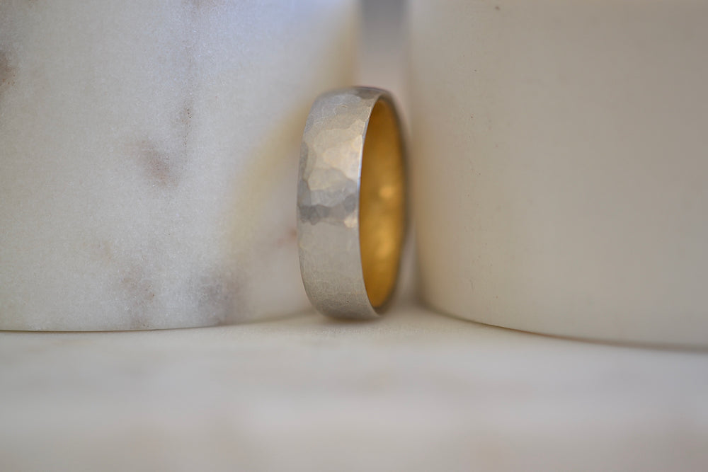 Malcolm Betts 6mm Hammered Band Platinum exterior 22k yellow gold interior
