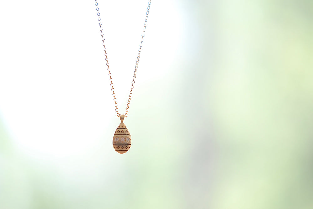 Nomad Drop Pendant in Yellow Gold