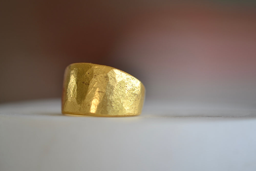 Black Barc Mizuki Hammered tapered 24k Yellow gold cigar band