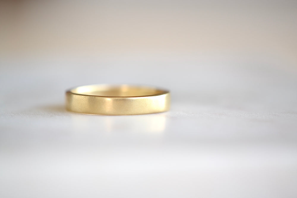 Load image into Gallery viewer, Black Barc Mizuki Zen 14k yellow gold 4mm square  wedding band