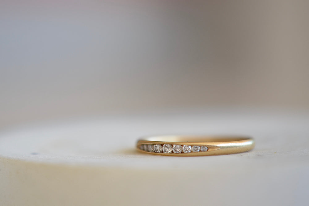Gillian Conroy Tapered Diamond Band Half eternity 18k yellow gold| OK