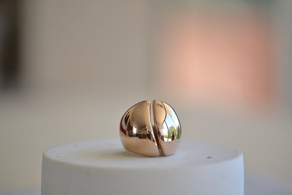 Load image into Gallery viewer, Monica Castiglioni Bombati Ring 18A Bronze