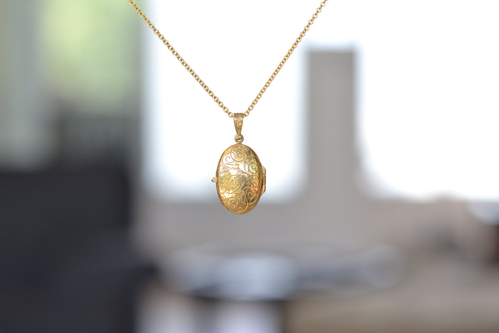 "Load image into Gallery viewer, Arman Sarkyssian Oval Locket with  Diamond Pendant necklace 19"" 22k Yellow Gold Oxidized Sterling Silver"