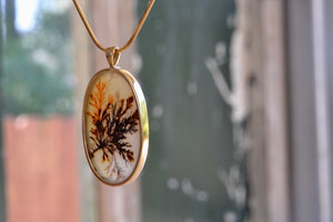OK Oval Dendritic Agate Pendant 18k yellow gold bezel