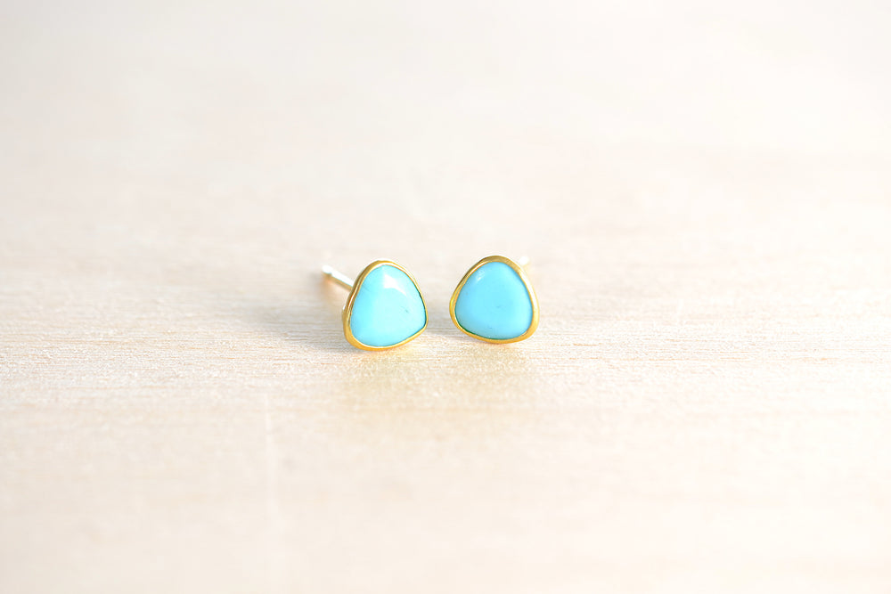Pippa Small Classic Turquoise stud studs earrings 18k Yellow Gold