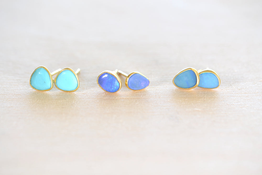 Load image into Gallery viewer, Pippa Small Classic Stud studs earrings in Turquoise, light and dark opal