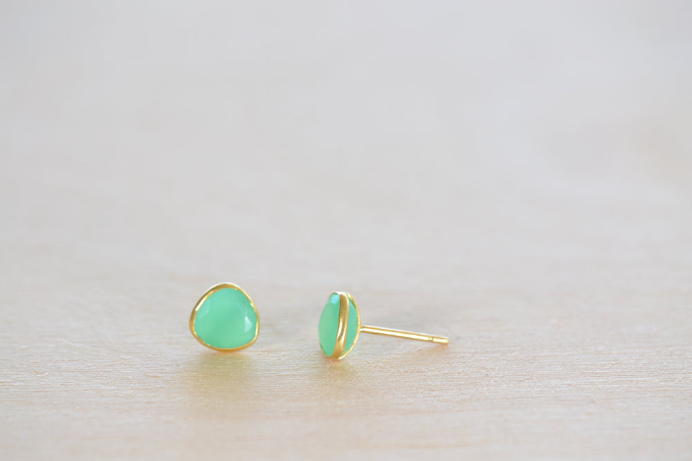 Pippa Small Chrysoprase Classic Stud studs earrings 18k yellow gold