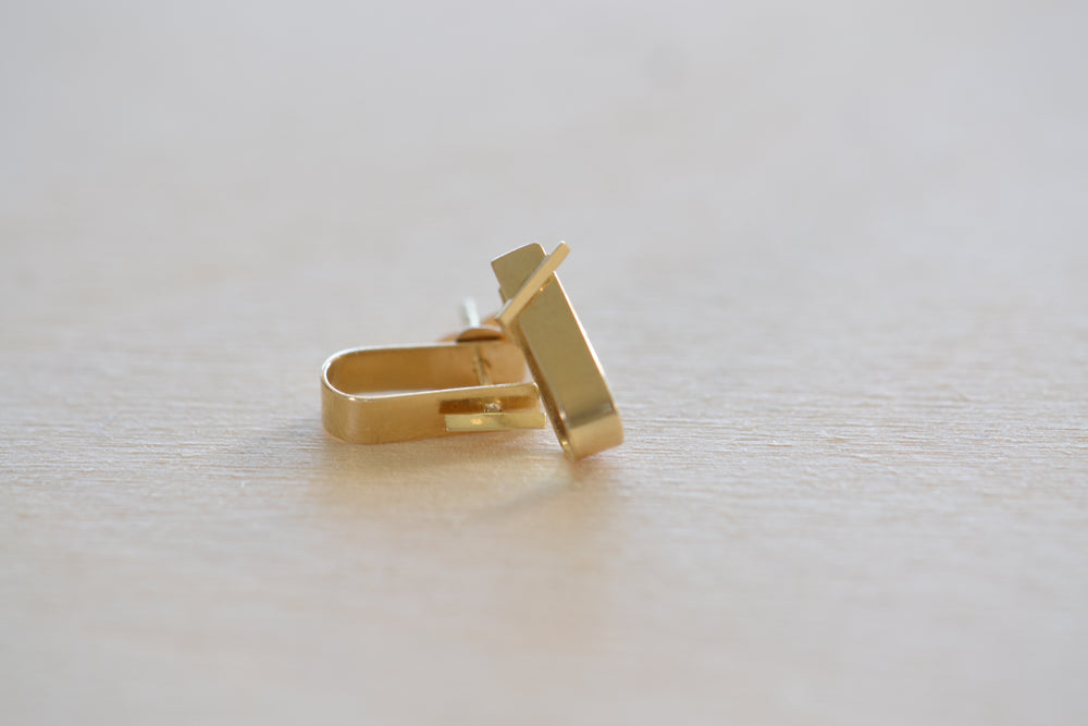 Load image into Gallery viewer, Kathleen Whitaker small cuff and bevel stud Earring Earrings 14k gold