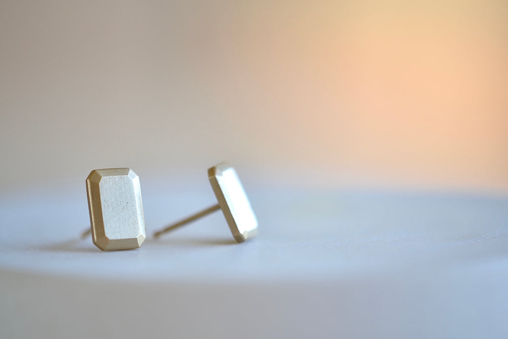 Load image into Gallery viewer, Carla Caruso Emerald Cut rectangle stud earrings satin finish 14k yellow gold post closure