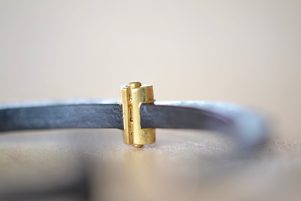 Load image into Gallery viewer, Pat Flynn Standard Women's Plain Nail Bracelet Forged Blackened iron 18k gold hinge