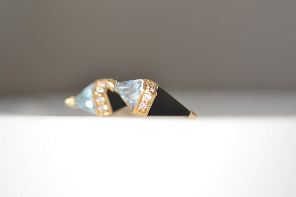 Studs in Blue Topaz, Black Onyx 18k yellow gold 4 four white diamonds post closure studs earrings.