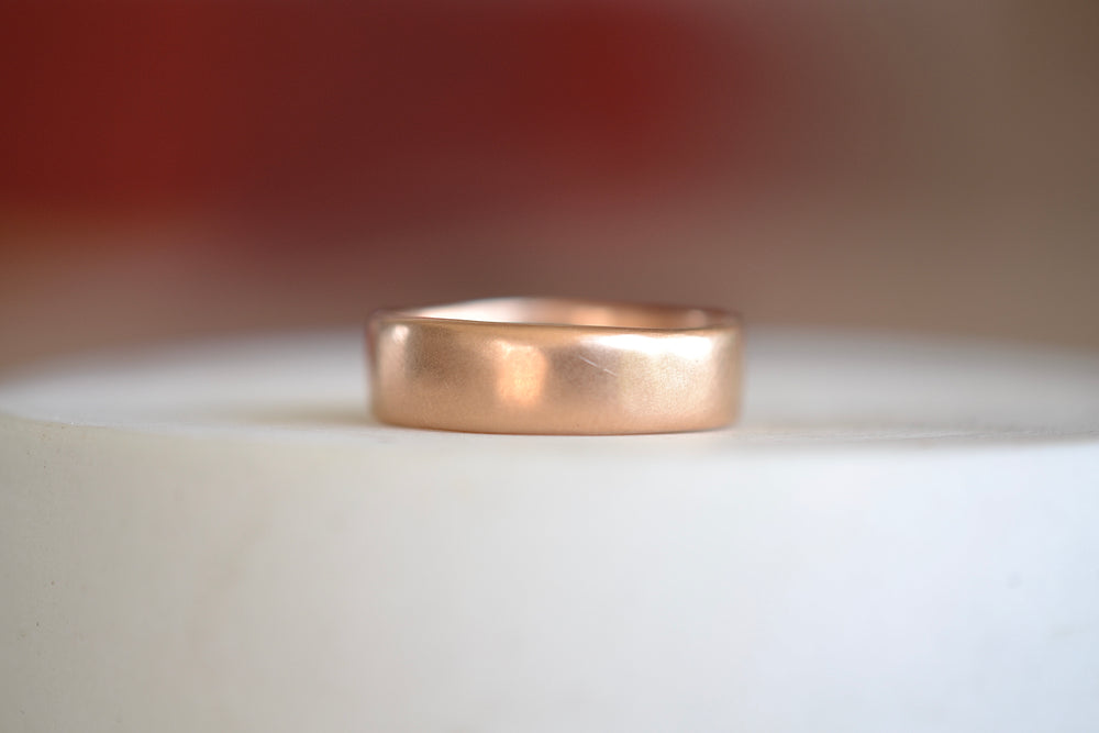 Load image into Gallery viewer, Black Barc Mizuki Round Band 6mm x 1.5 mm 14k Rose Gold Wedding Band