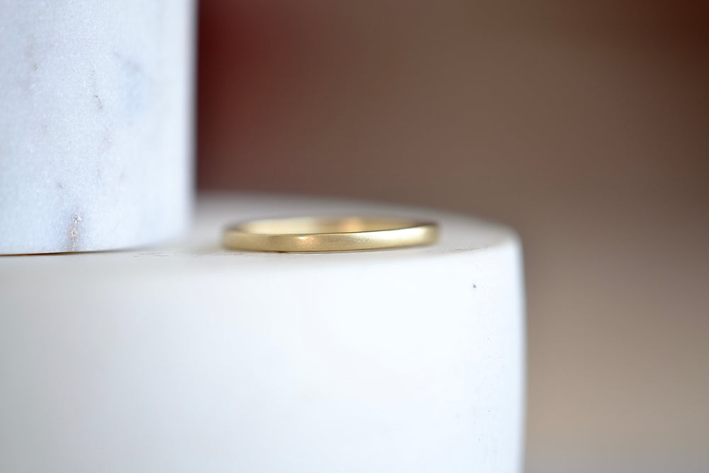 Load image into Gallery viewer, Black Barc Mizuki Zen 14k yellow gold 1.5mm square  wedding band