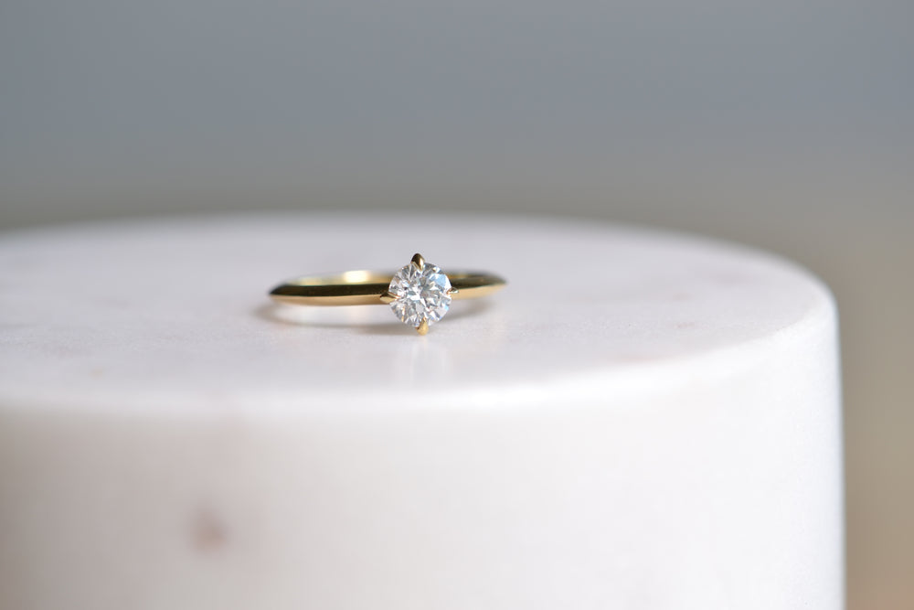 Load image into Gallery viewer, Round Solitaire half carat ring
