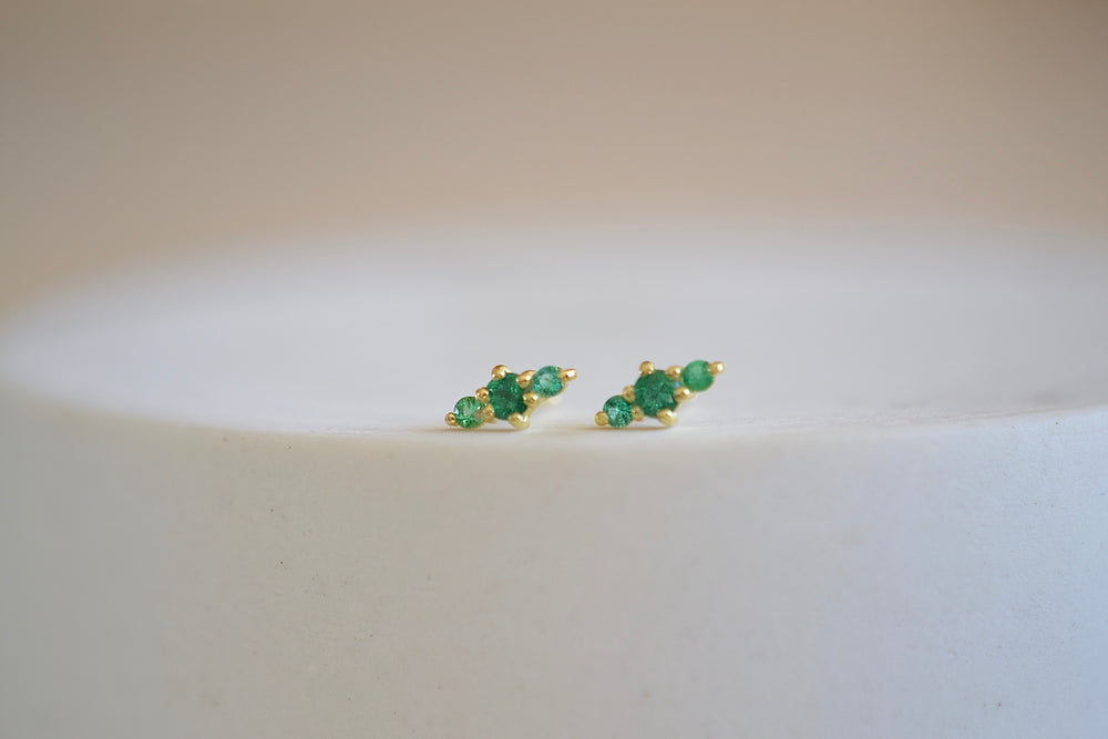 Ila Hanley Stud Studs Earrings in green emerald and 14k yellow gold sustainable recycled