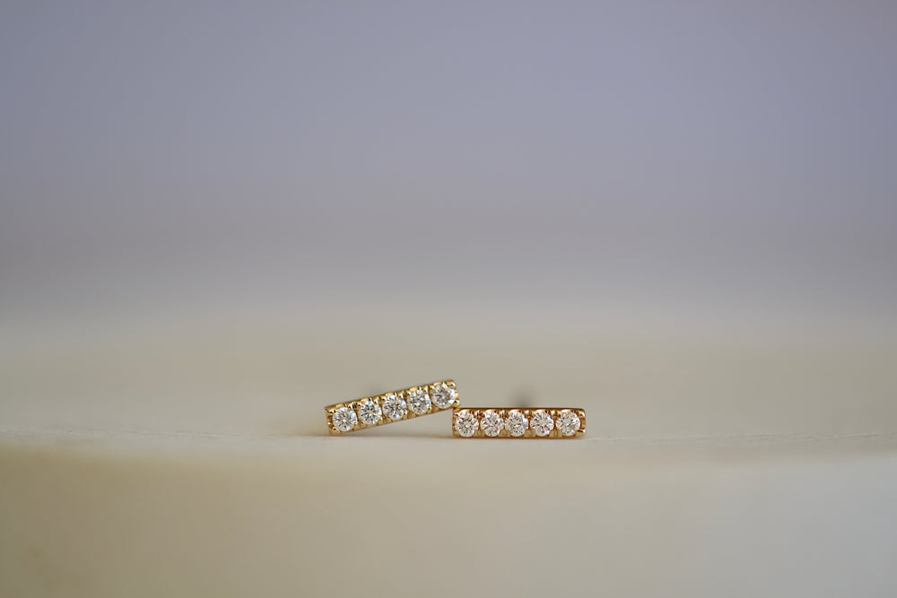 Load image into Gallery viewer, OK Bar Pave Pavé rectangular studs five 5 diamonds 14k yellow gold