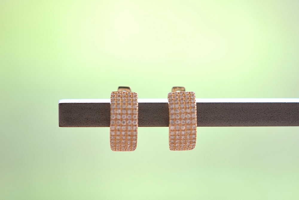 OK Thick Squared Pave Pavé Huggies Huggie Earrings Five 5 Rows white diamonds tapered back 14k yellow gold