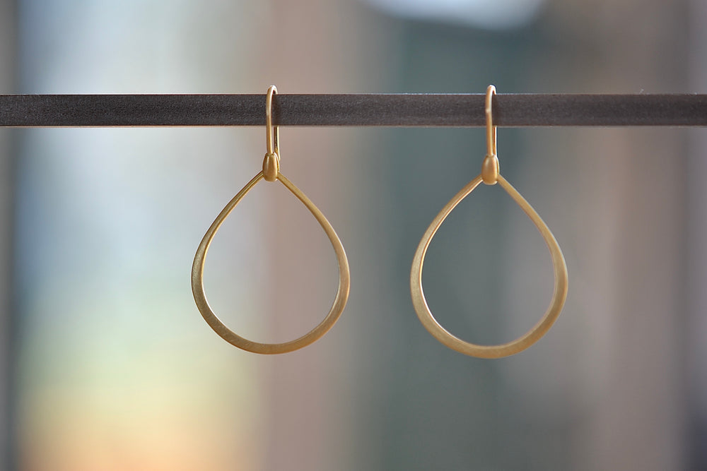 Load image into Gallery viewer, Marian Maurer Medium  Dakri Hoop Earring ear wire 18k recycled yellow gold satin finish medium