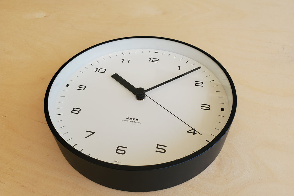 "Load image into Gallery viewer, Japanese Aluminum Clock ""Aira"""