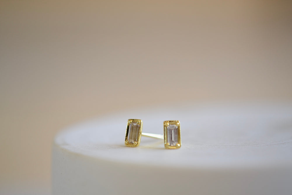 Ila Leone Stud Studs Earrings emerald cut in white sapphire and 14k sustainable yellow gold