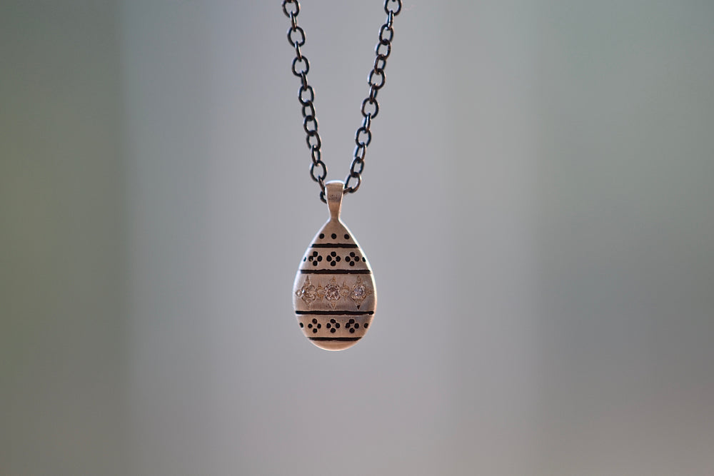 Adel Chefridi Nomad Drop Pendant Necklace Sterling Silver Antiqued Chain Three  White Diamonds