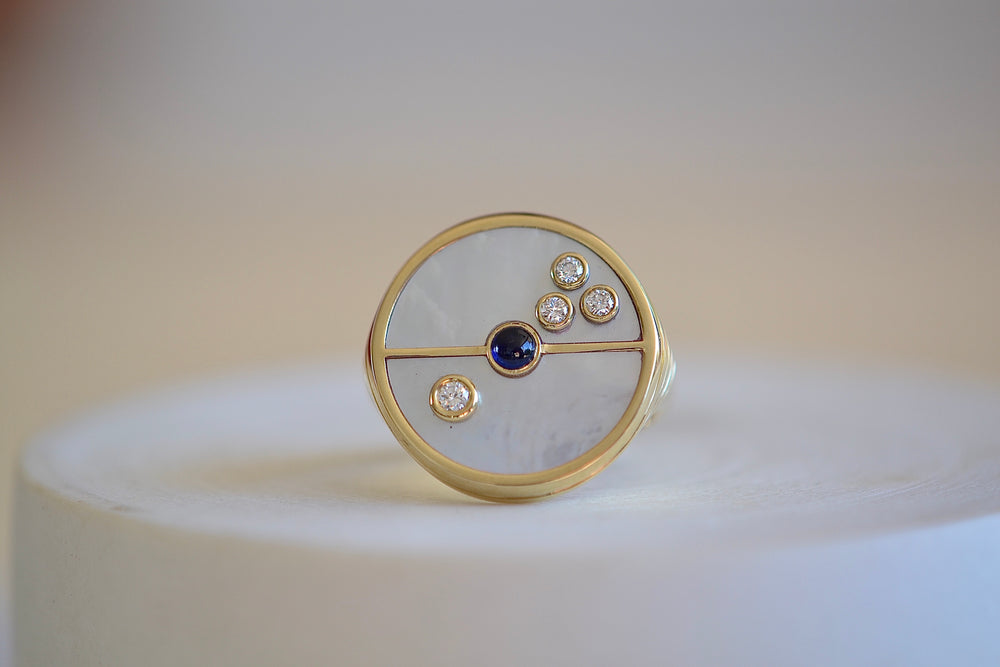 Retrouvai White Mother of Pearl Diamonds Blue sapphire 14k yellow gold inlay Compass Ring